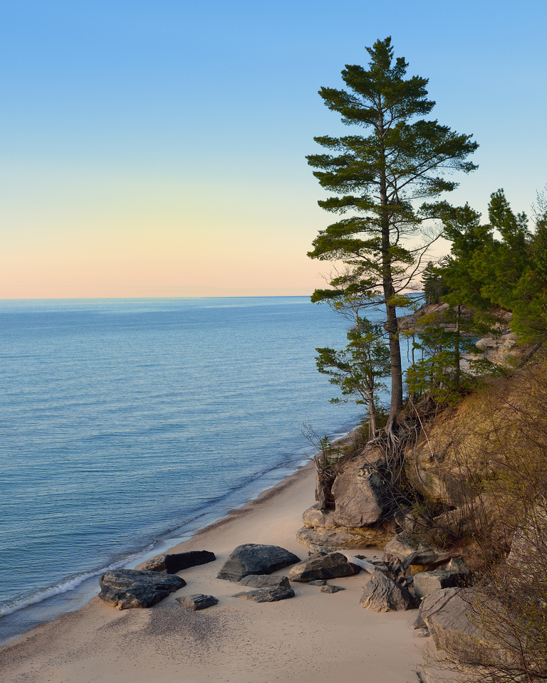 The Lone Pine, Pictured Rocks National Lakeshore
