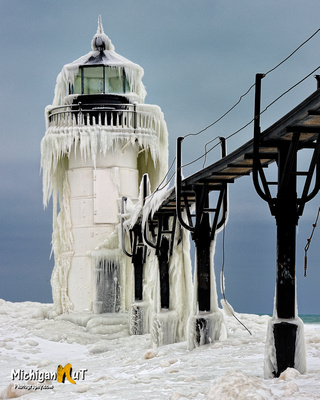 Michigan Nut Photography: Lighthouse Gallery - State of Michigan &emdash; St. Joseph Lighthouse, St. Joseph, Michigan