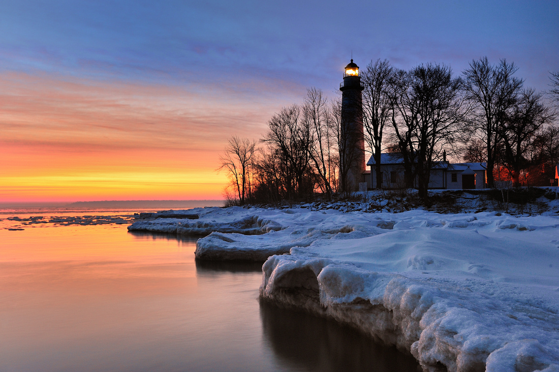 Michigan Nut Photography: Lighthouse Gallery - State of Michigan &emdash; Winter sunrise at Point Aux Barques Lighthouse