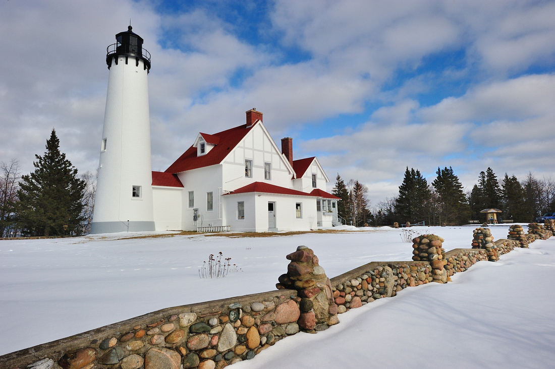 Michigan Nut Photography: Lighthouse Gallery - State of Michigan &emdash; Winter at Point Iroquois Lighthouse - Whitefish Bay, Michigan