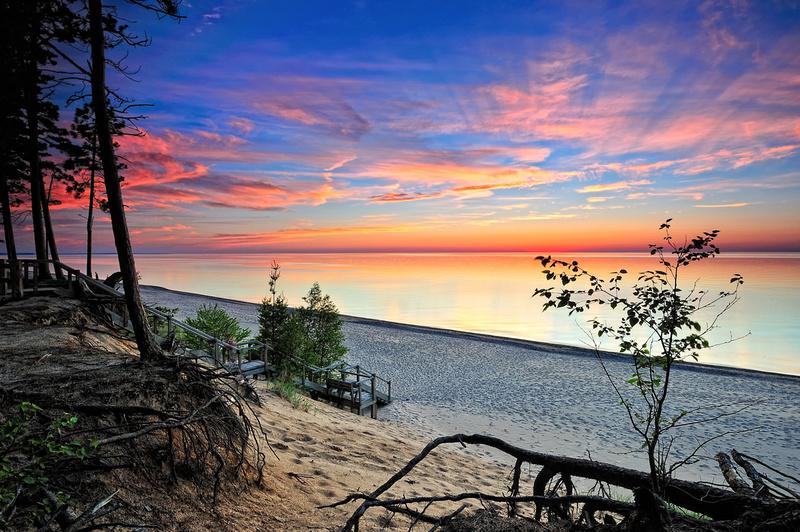"Michigan Nut Photography | ""Graveyard Coast"" Exploring Pictured Rocks National Lakeshore"